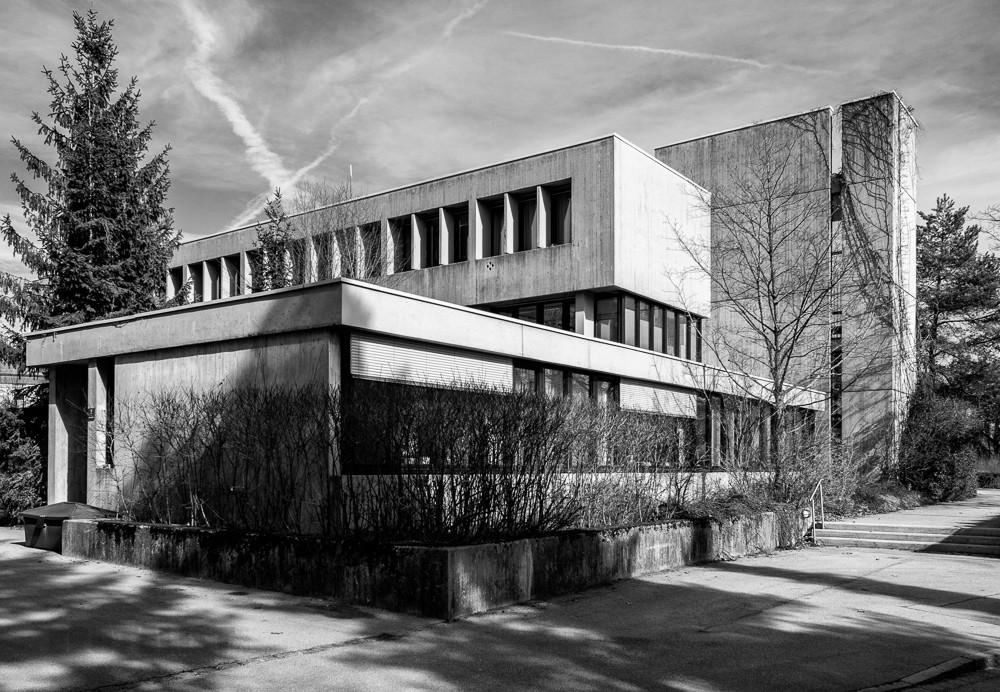 Das rathaus in gr felfing bei m nchen ein kleinod for Architektur brutalismus